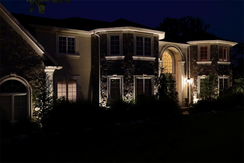 Landscape lighting features bergen county nj outdoor landscape lighting in northern nj mozeypictures Choice Image
