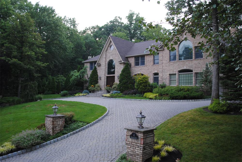 Driveway and walkway in Bergen County