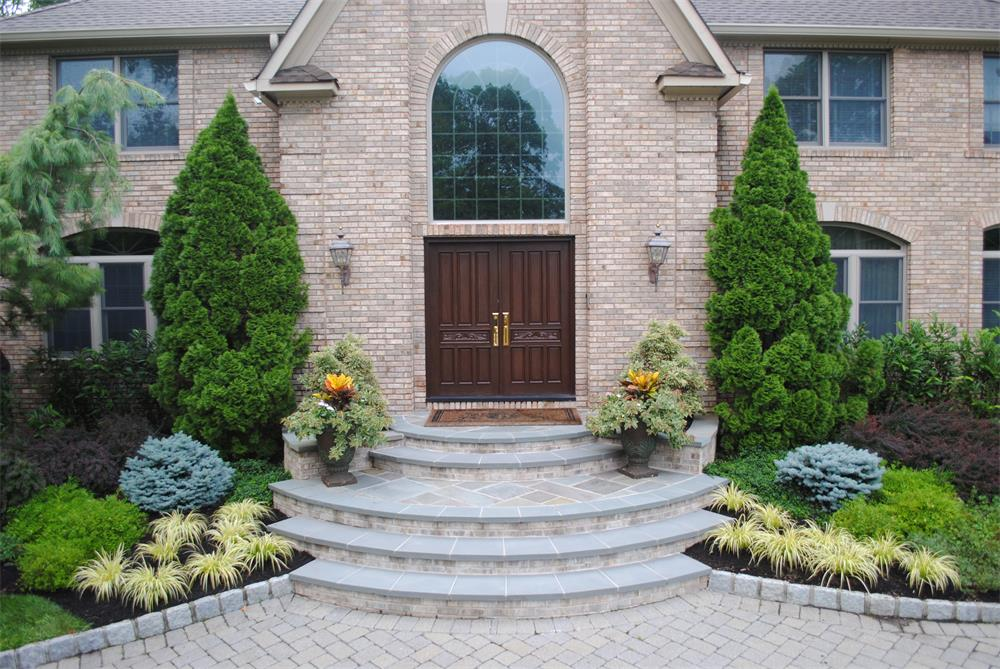 Front Steps in Bergen County landscaping